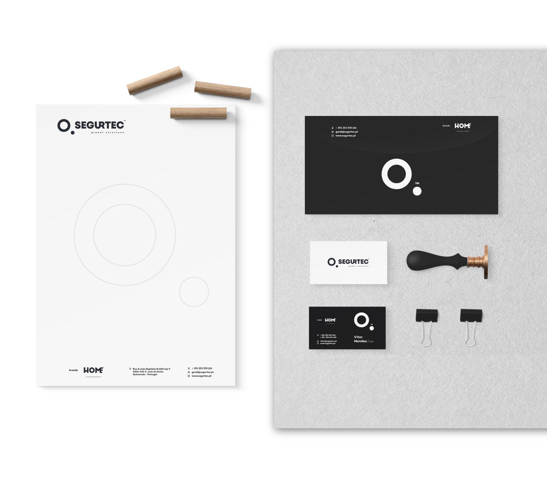 Exemplo de aplicação da marca Segurtec em envelopes, cartões e papel timbrado